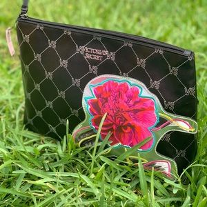 Victoria's Secret POUCH new with tags